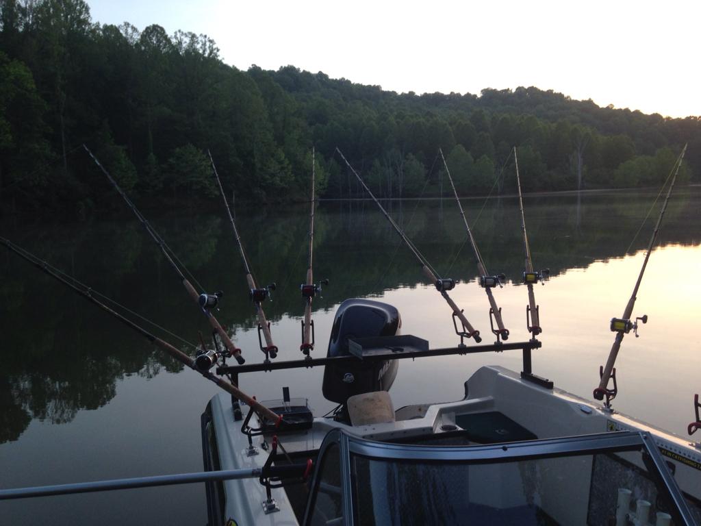 Diy catfish rod rack the united states catfish for Night fishing light setup